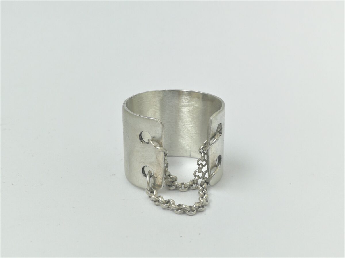 Wide silver statement ring with chains, matted